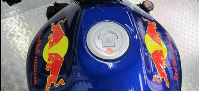 Custom Design - Honda Hornet Red Bull